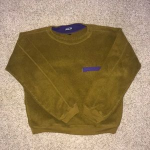 Patagonia Green Crew Neck Sweater!